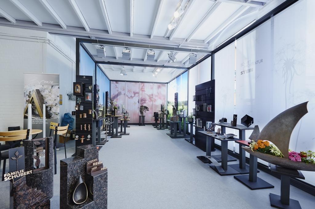 Bronzeausstellung_Grabstein